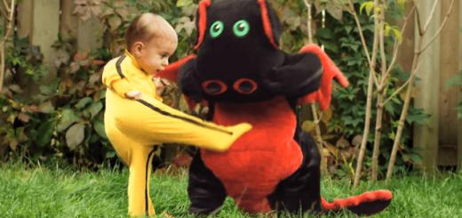 正義の赤ちゃん、熱い肉弾戦で怪獣を討つ!