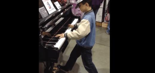 天才少年によるピアノパフォーマンスが鳥肌級にスゴい…