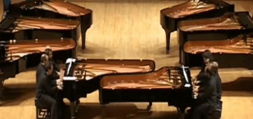 2つのピアノを8人で演奏する動画がド迫力!!