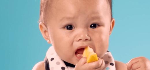 はじめてレモンを食べた赤ちゃんたちの表情がかわいすぎる