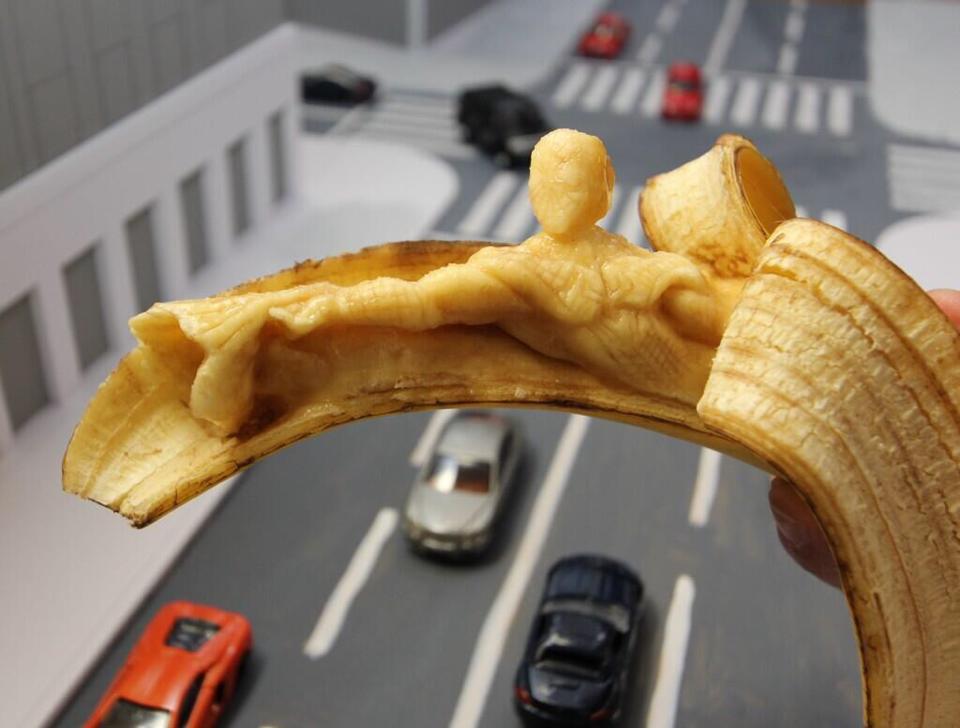 バナナをあらゆるモノに変身させる「バナナ彫刻」が食べ物ってレベルじゃない
