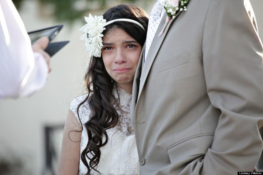 最後の思い出に…仮のヴァージンロードをガンに侵された父と歩く11歳の少女【感動】
