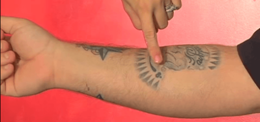 意外なアイテムを使ってタトゥーを目立たなくする方法