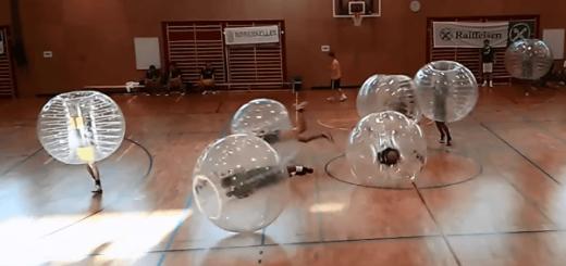 ノルウェーで考案されてアメリカで大流行中のおバカスポーツ「バブルサッカー」がめちゃくちゃおもしろい!