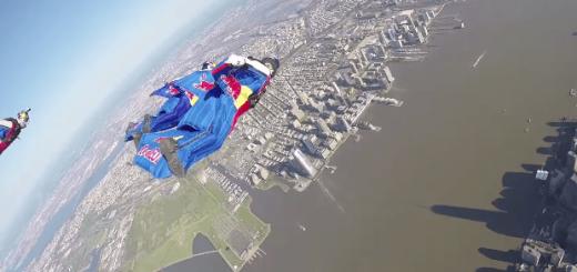 人類の夢、ウイングスーツによる空中飛行がついに実現!