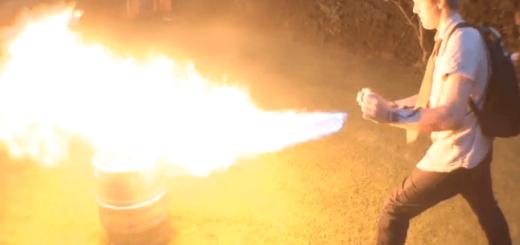 """X-MENの悪役""""パイロ""""の火炎放射器を作ってみた!【絶対にマネしないでください】"""