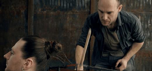 """バイオリンの弦を""""生えたままの髪の毛""""に交換して奏でる音楽が美しい"""