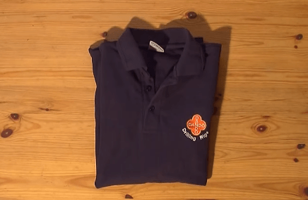 Tシャツを一瞬でたたむ方法