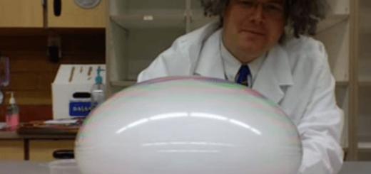 【お手軽実験】ドライアイスと中性洗剤でつくる不思議なもこもこけむり玉