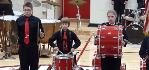 国家演奏中に楽器が壊れた少年の立派すぎる行動に賞賛の声