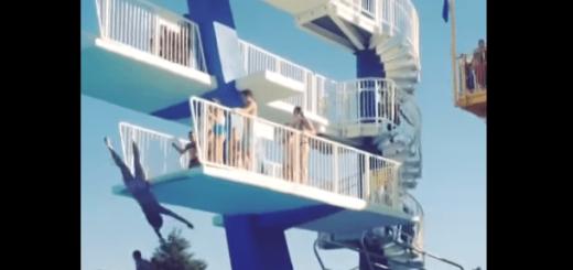【危険】飛び込み台で足を滑らせた女性のダイブがアクロバティックすぎる!!