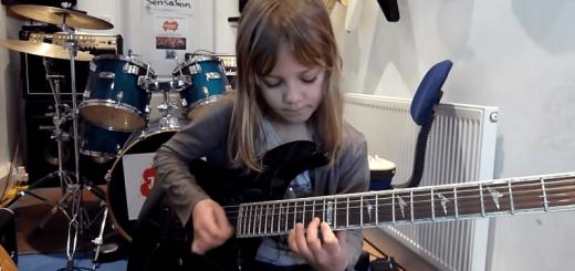 まさに神童…! 8歳の少女が魅せる超高速ギターソロが末恐ろしすぎる
